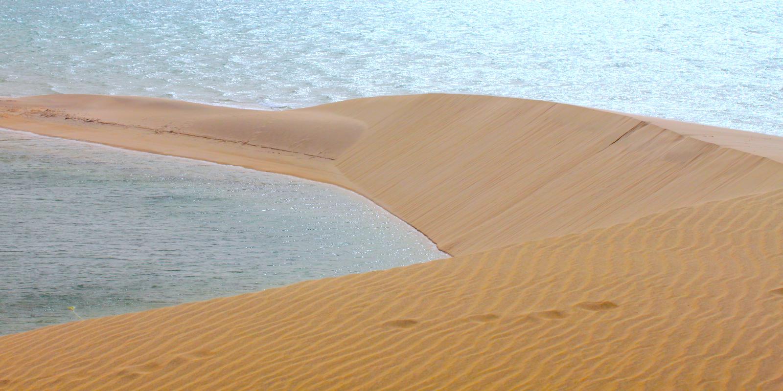 Dakhla Rovers White Dune